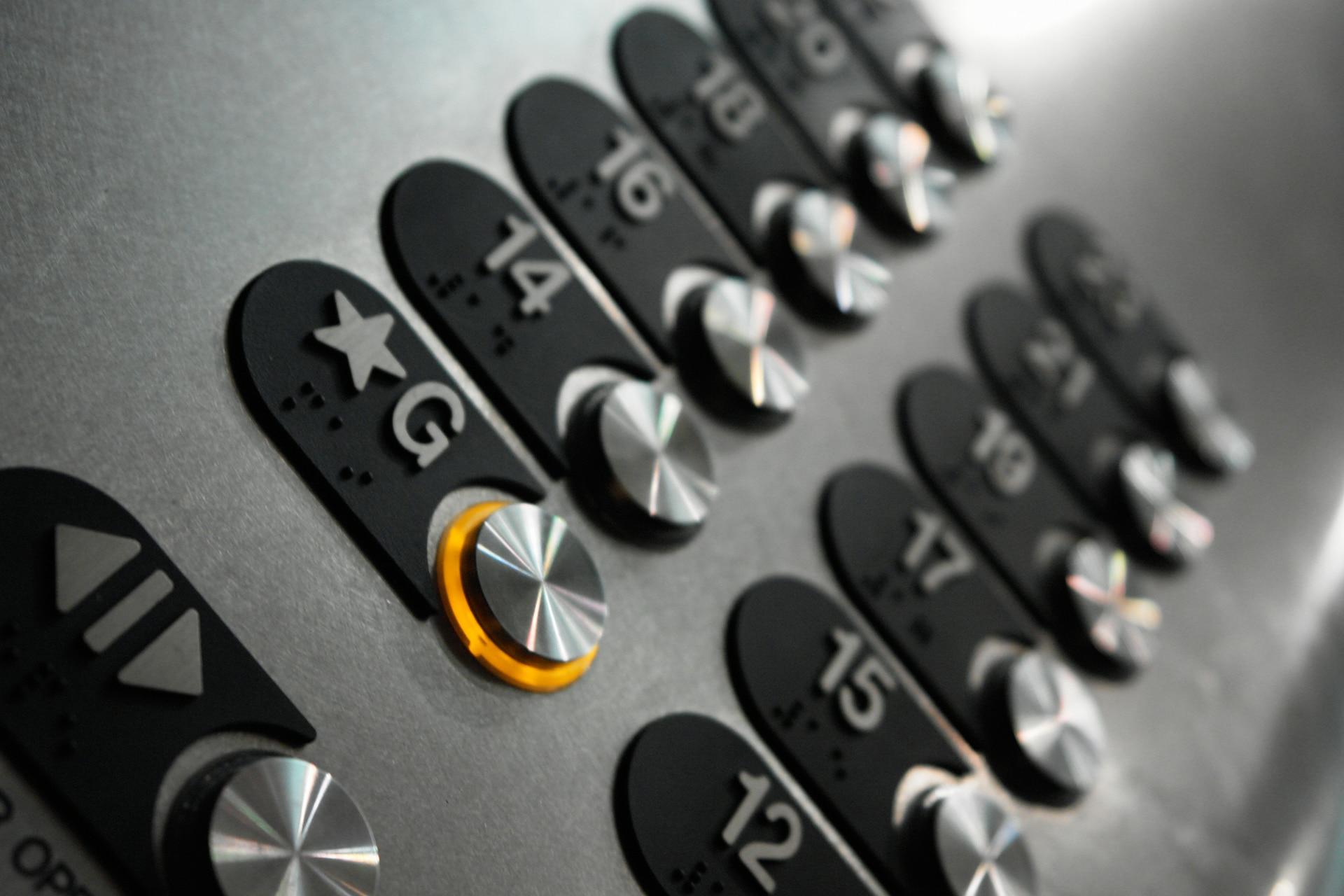 Ascensores manelso, instalación, mantenimiento y reparación de ascensores y elevadores en castellon y valencia. Servicio técnico multimarca